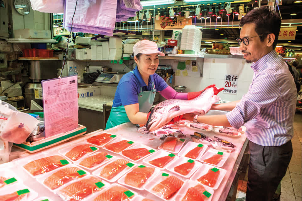 Link REIT Project and Operations Director Max Wong shares his experience in traditional wet market and renovation fresh market.